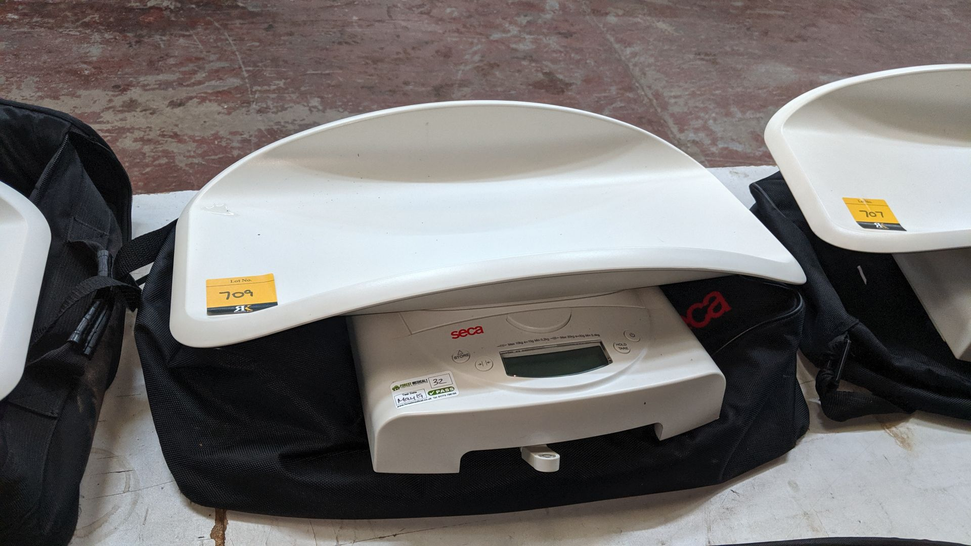 Lot 709 - Seca model 384 baby scales max. capacity 20kg. This is one of a large number of lots used/owned by