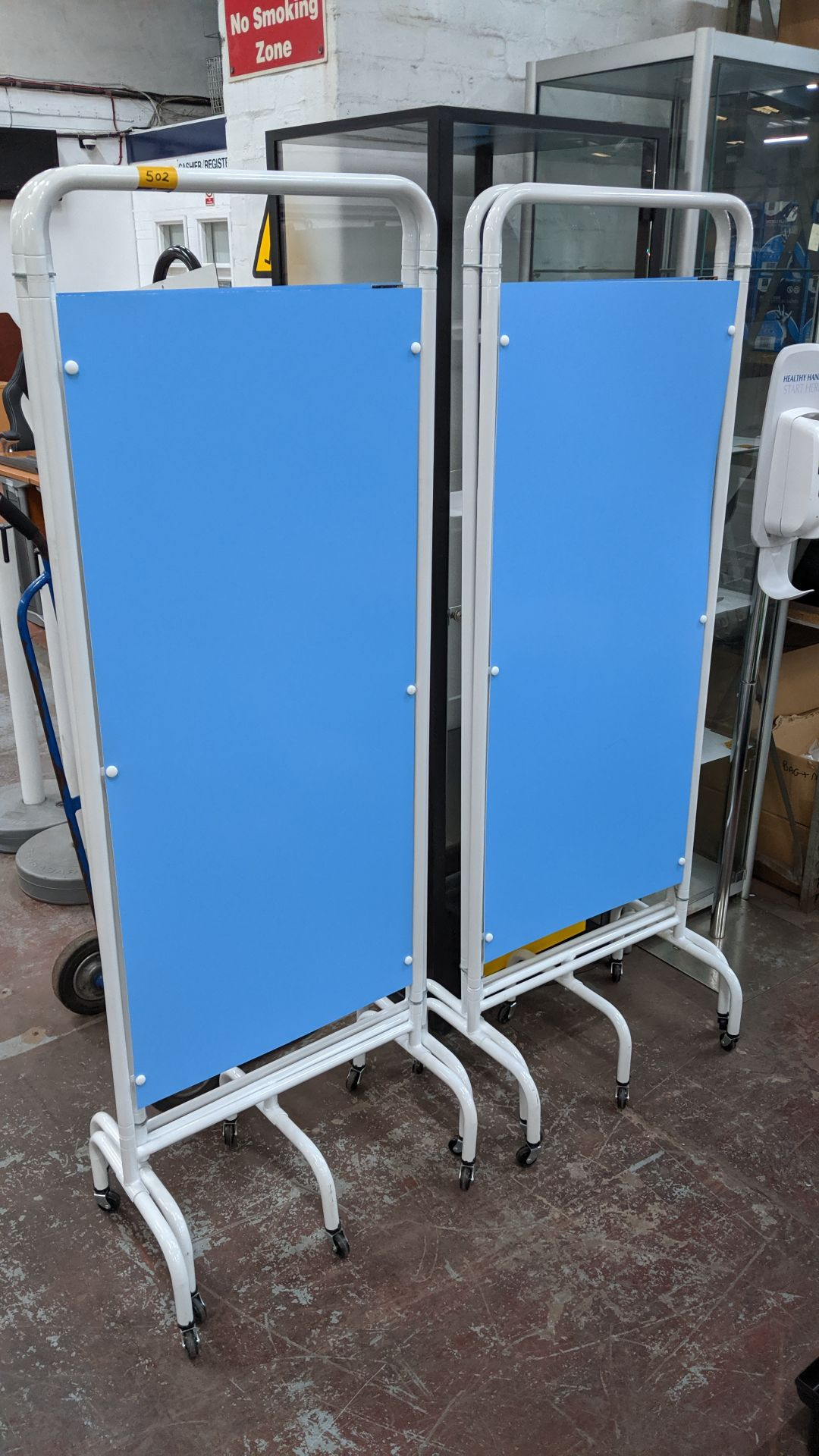 Lot 502 - 6 off Sunflower Medical Furniture mobile blue & white screens, currently assembled with connection