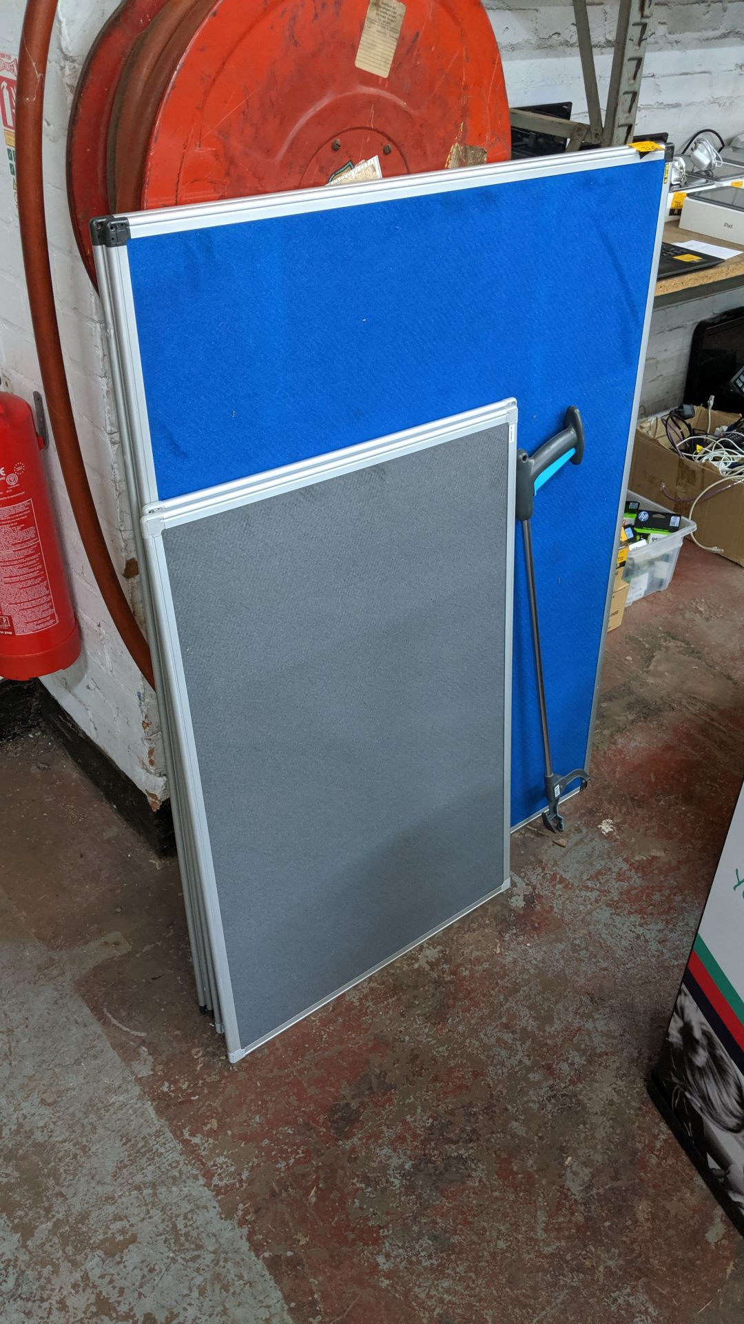 Lot 725 - 4 off assorted pin boards plus rubbish picking handle/grabber. This is one of a large number of lots