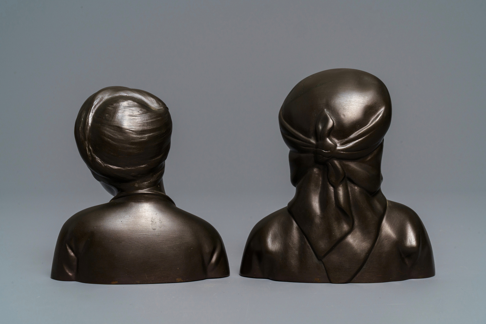 Lot 29 - A pair of Chinese bronze 'Cultural Revolution' busts, 3rd quarter of the 20th C.