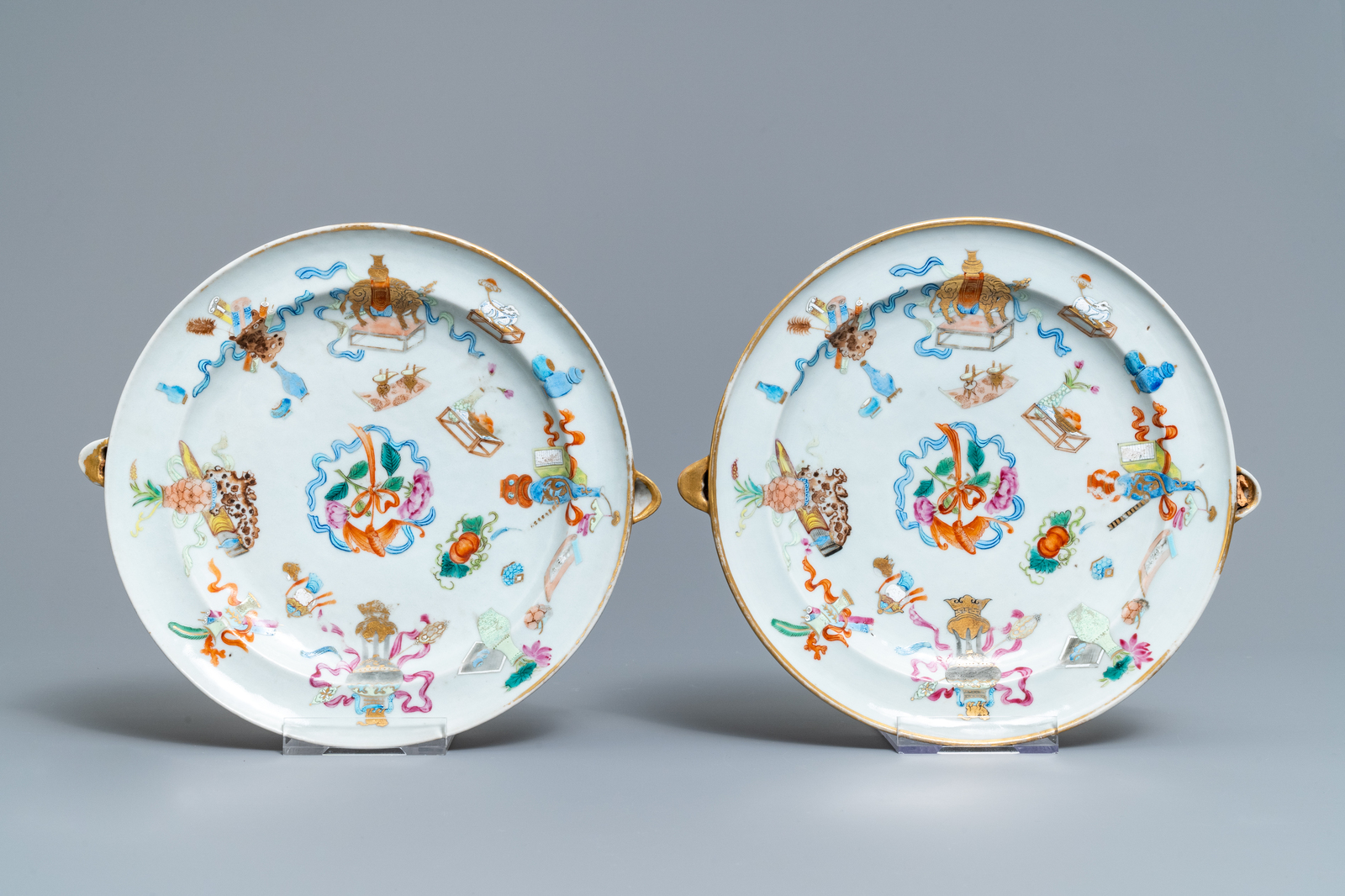 Lot 52 - A 9-piece Chinese famille rose service with antiquities design, Jiaqing/Daoguang