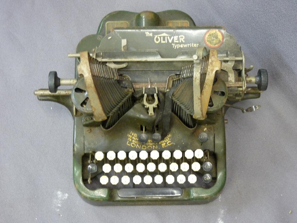 Lot 105 - VINTAGE TYPEWRITER MODEL NO9 by the Oliver Typewriter Company, Chicago USA
