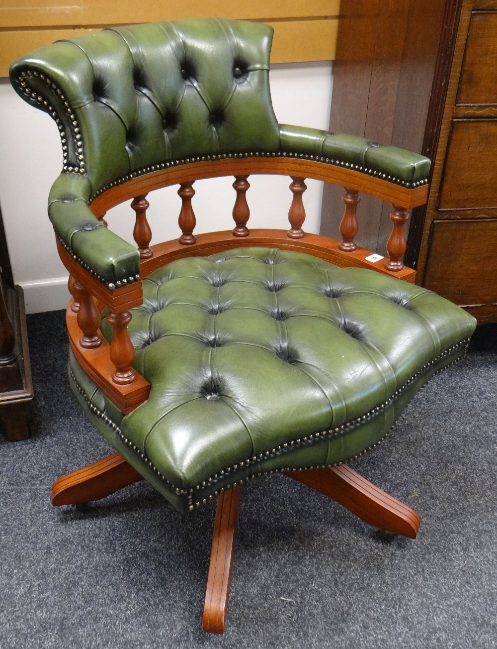 Lot 18 - REPRODUCTION BUTTON GREEN LEATHER SWIVEL CAPTAIN STYLE CHAIR