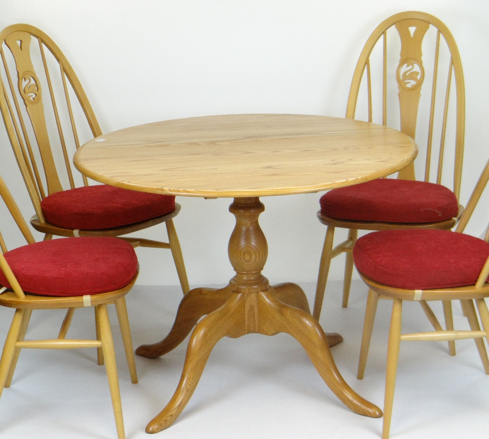 Lot 37 - BLONDE ERCOL CIRCULAR BREAKFAST TABLE & FOUR SWAN & HOOP BACK ERCOL CHAIRS, breakfast table 98cms