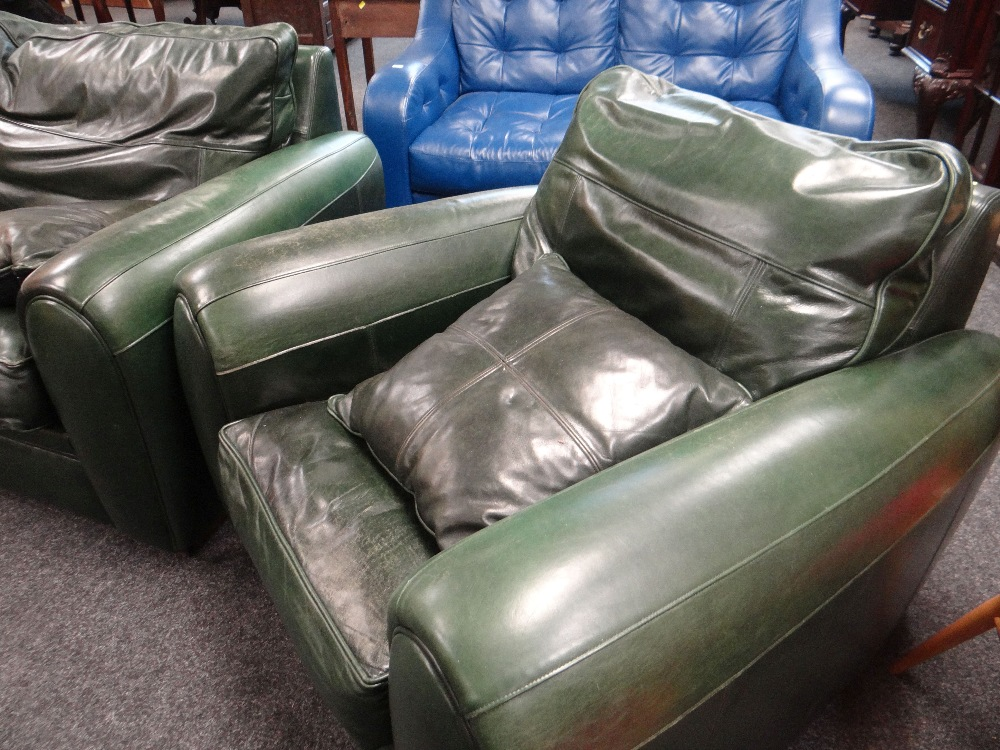 Lot 21 - GOOD GREEN LEATHER THREE PIECE SUITE of large proportions and with four matching loose cushions