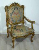 Herrschaftlicher Armlehnsessel mit exklusivem Bezug. Rückenh. ca. 115 cm.Grand arm rest chair w.