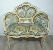 Elegante Sitzbank für zwei Personen im Schlossstil. Maße ca. 100x105x55 cm.Smart settee for two in