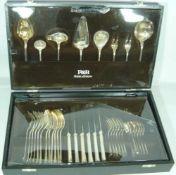 Robbe & Berking. Umfangreiches Besteck. 90er Versilberung. Robbe & Bering. Extensive cutlery. 90's