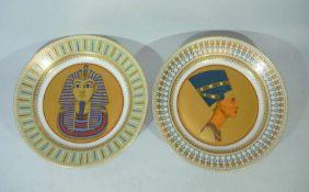 Kaiser. Zwei große limitierte Wandplatten mit ägyptischen Motiven. DM ca. 32 cm.Kaiser. Two large