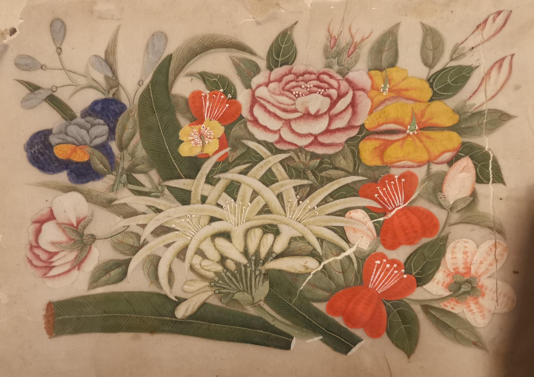 Lot 25 - CHINE - Canton. Cinq peintures sur papier de riz représentant des compositions [...]