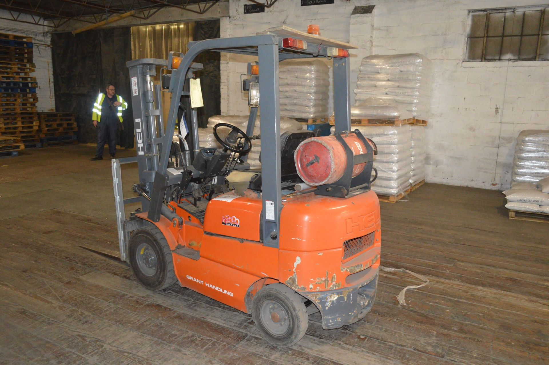Lot 191 - Heli HFG15 H2000 SERIES 1500kg LPG ENGINE FORK LIFT TRUCK, serial no. 78330, year of manufacture