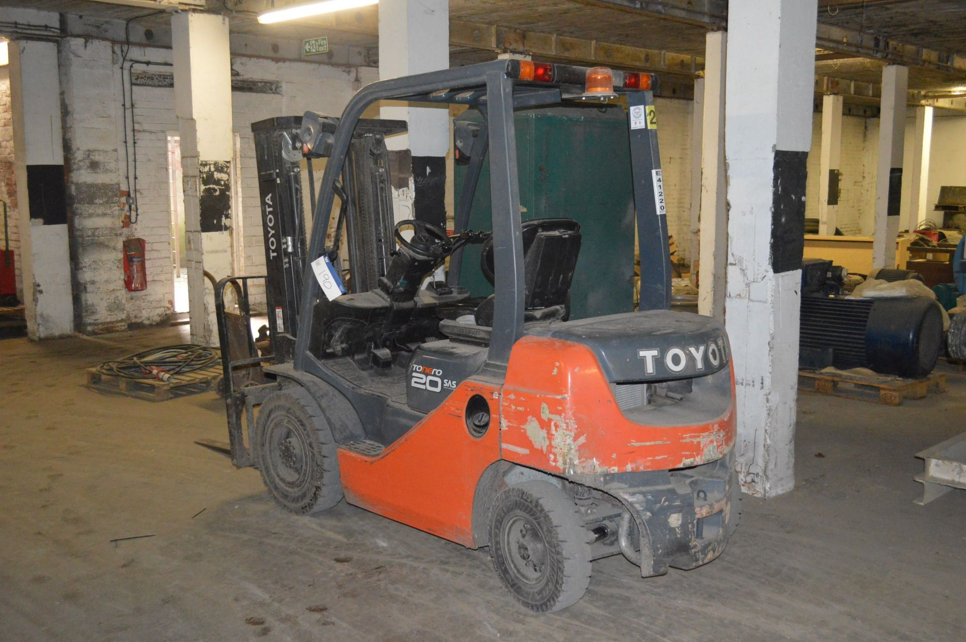 Lot 190 - Toyota 02/8FDF20 TONERO 20 SAS 2000kg cap. DIESEL FORK LIFT TRUCK, serial no. 8FDF25 FSV E911,