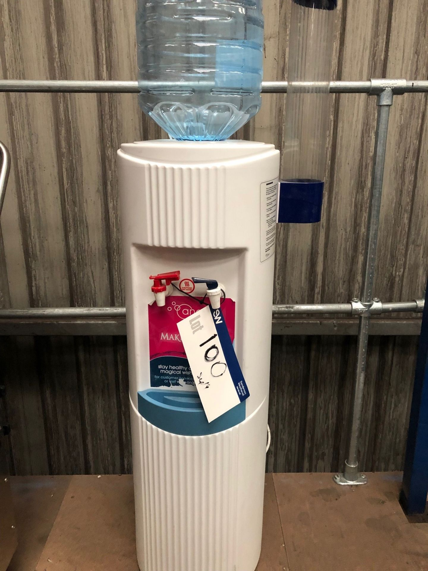 Lot 100 - Water Dispenser, lift out charge - £10