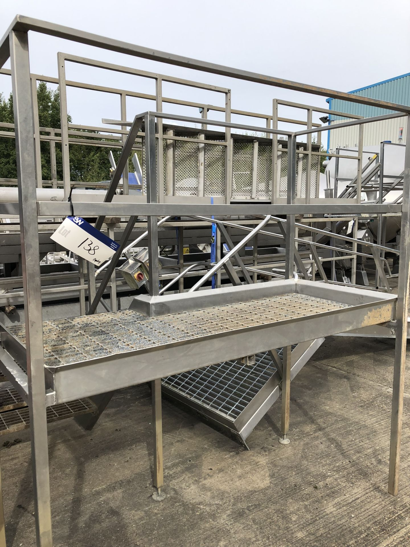 Lotto 138 - Four Step Inspection Gantry, approx. 1.9m x 0.8m x 2m high, lift out charge - £30