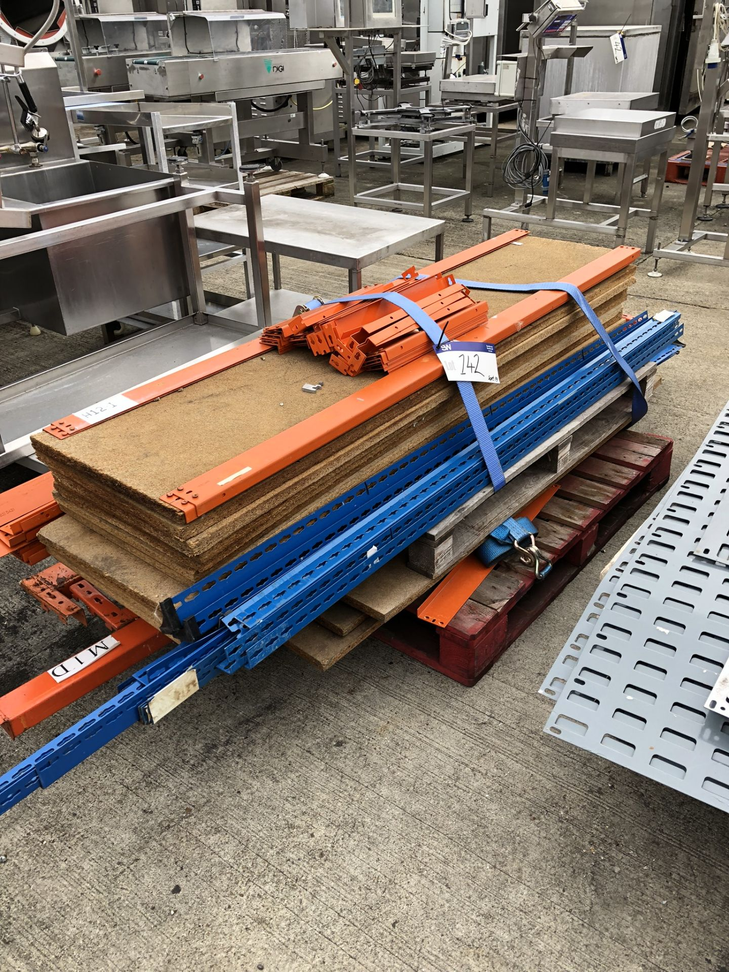 Lotto 142 - Interlocking Shelving, on pallet, lift out charge - £20