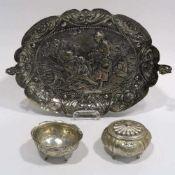 ZierschaleHistorismus. Silber. Achtpassige ovale Schale, zwei Gusshenkel mit Greifenzier.