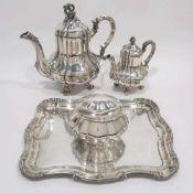 Kaffeekanne, Mokkakanne, Zuckerdose und TablettDeutsch. Silber, tlw. innen vergoldet. Verschiedene