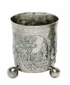 KugelfußbecherNürnberg, um 1685 - 1689, Sigmund Bierfreund Silber, teilvergoldet. Auf drei