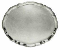 Große ovale PlatteDeutsch, H. Mau Silber. Profilierter Rosenblattrand. Rückseitig Gravur. Marken (