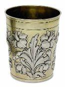 BecherWeimar (?), 3. Viertel 17. Jh. Silber, teilvergoldet. Konischer Becher mit flachem Stand und