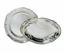 Platte und SchaleDeutsch (u.a. Wilkens & Söhne)Silber. Rund bzw. oval mit profiliertem