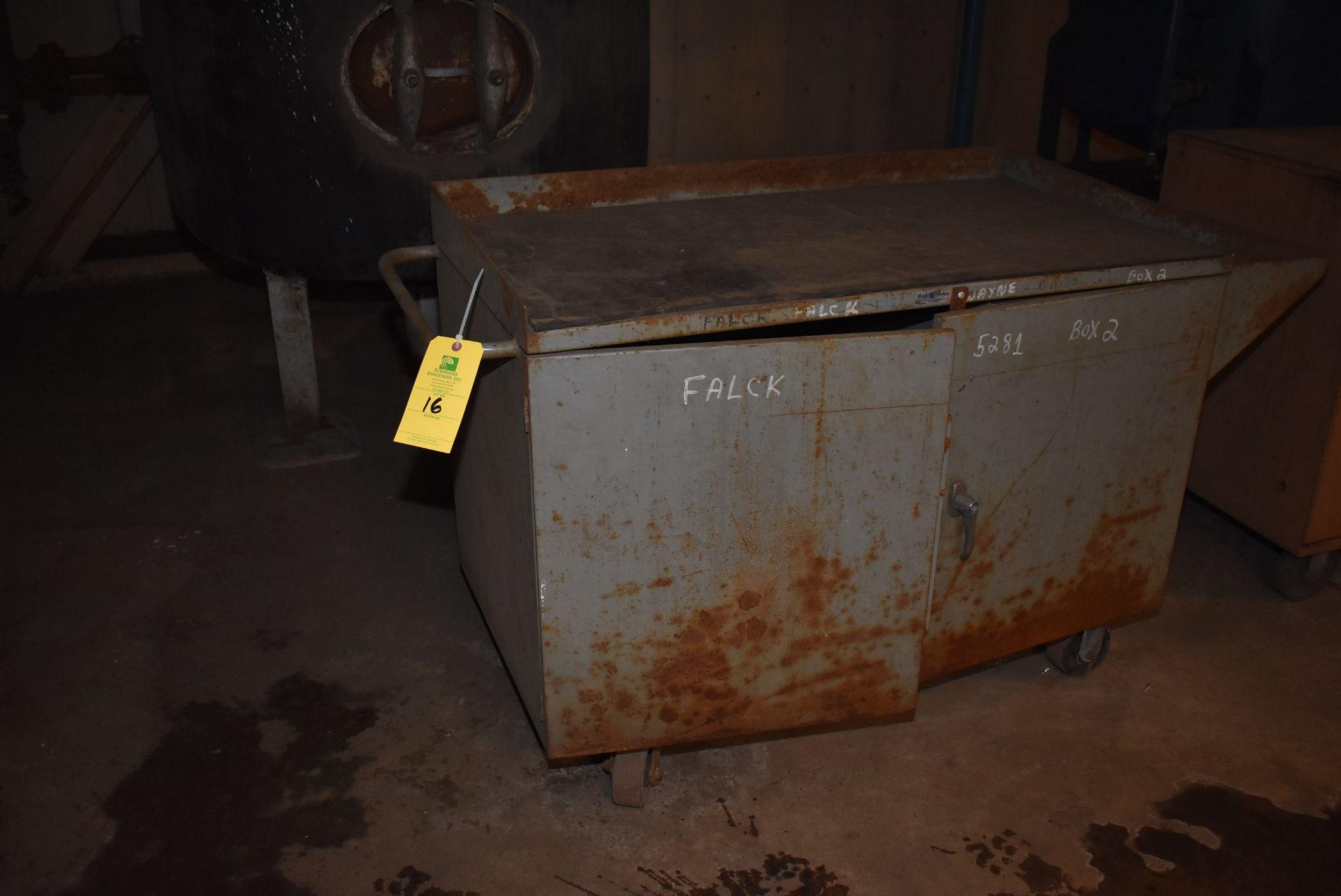 Lot 16 - Grizzly Job Box