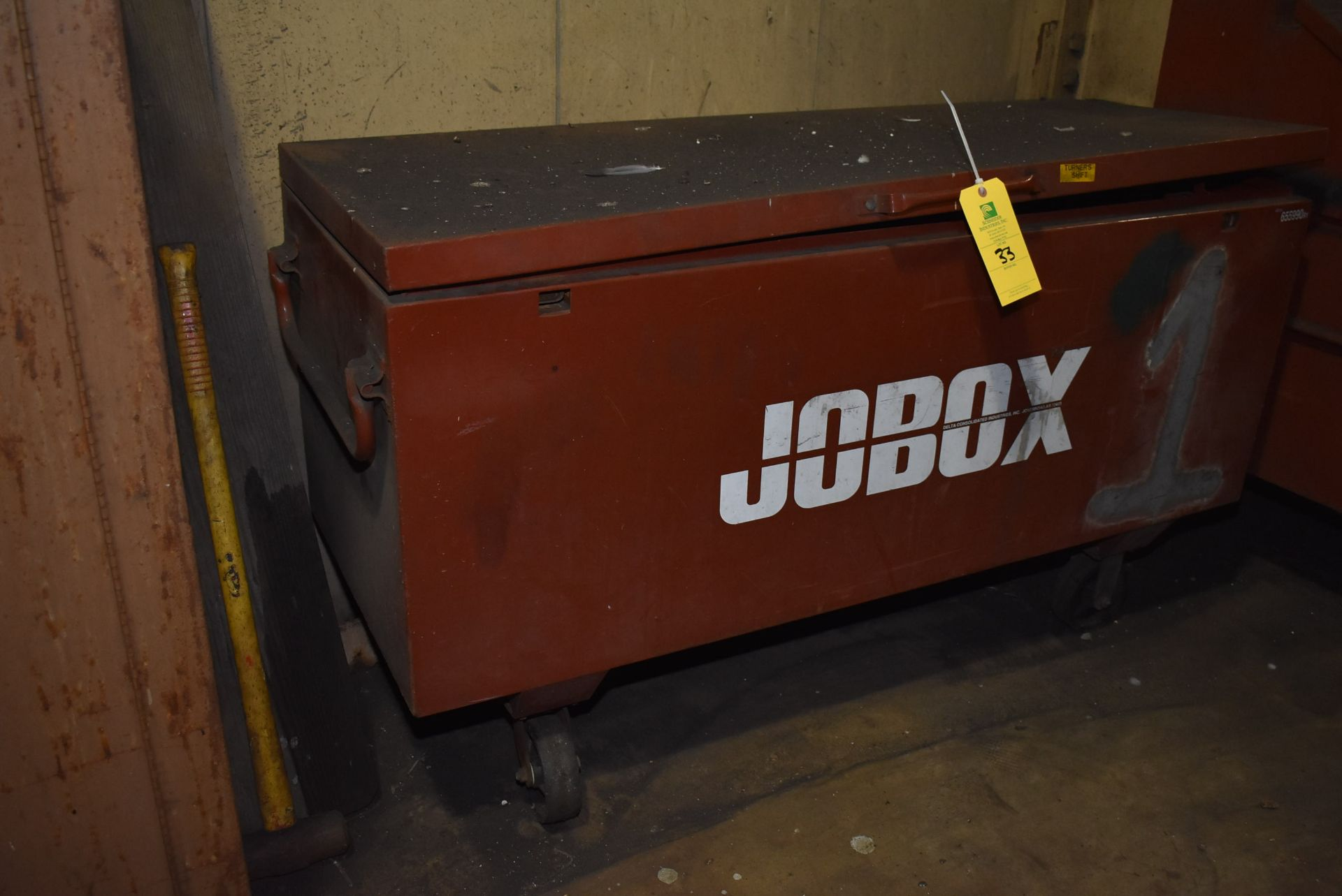 Lot 33 - Job Box Model 6559ORI, 4-Wheel Base