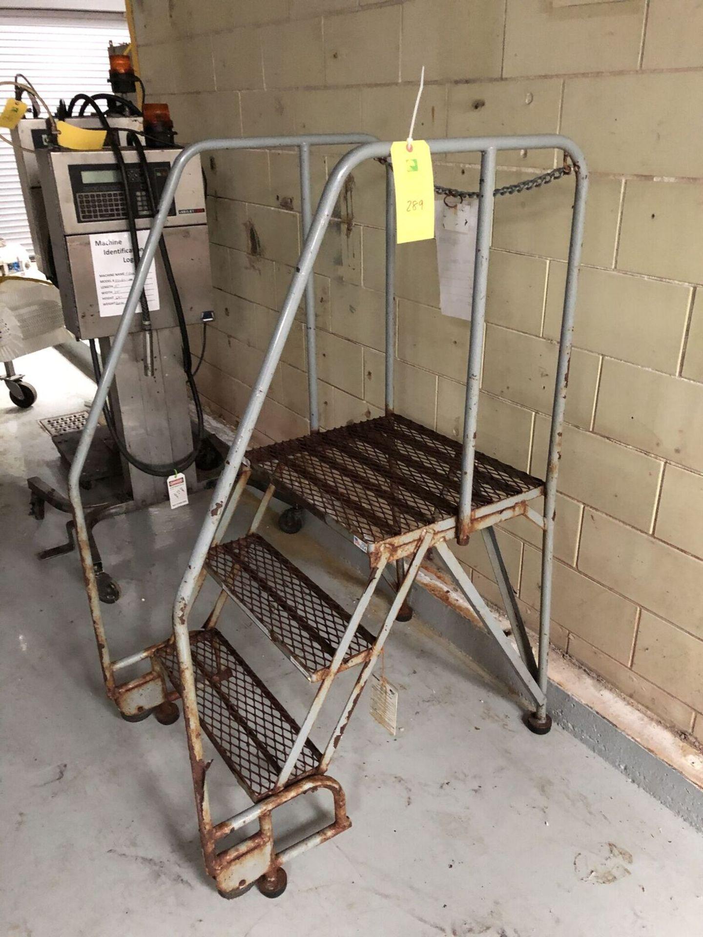 Lot 289 - Walk-Up Ladder
