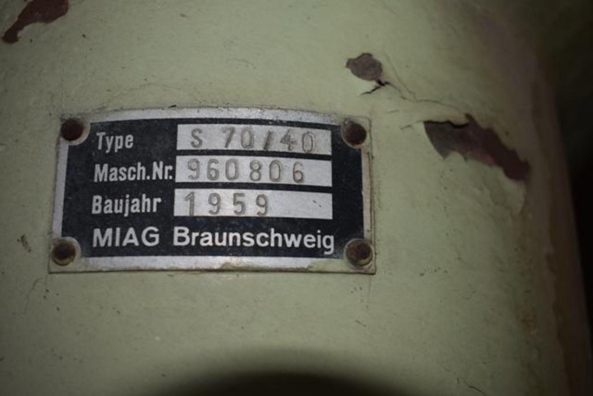 Lot 12 - MIAG Type S70/40 Receiver w/Magnet