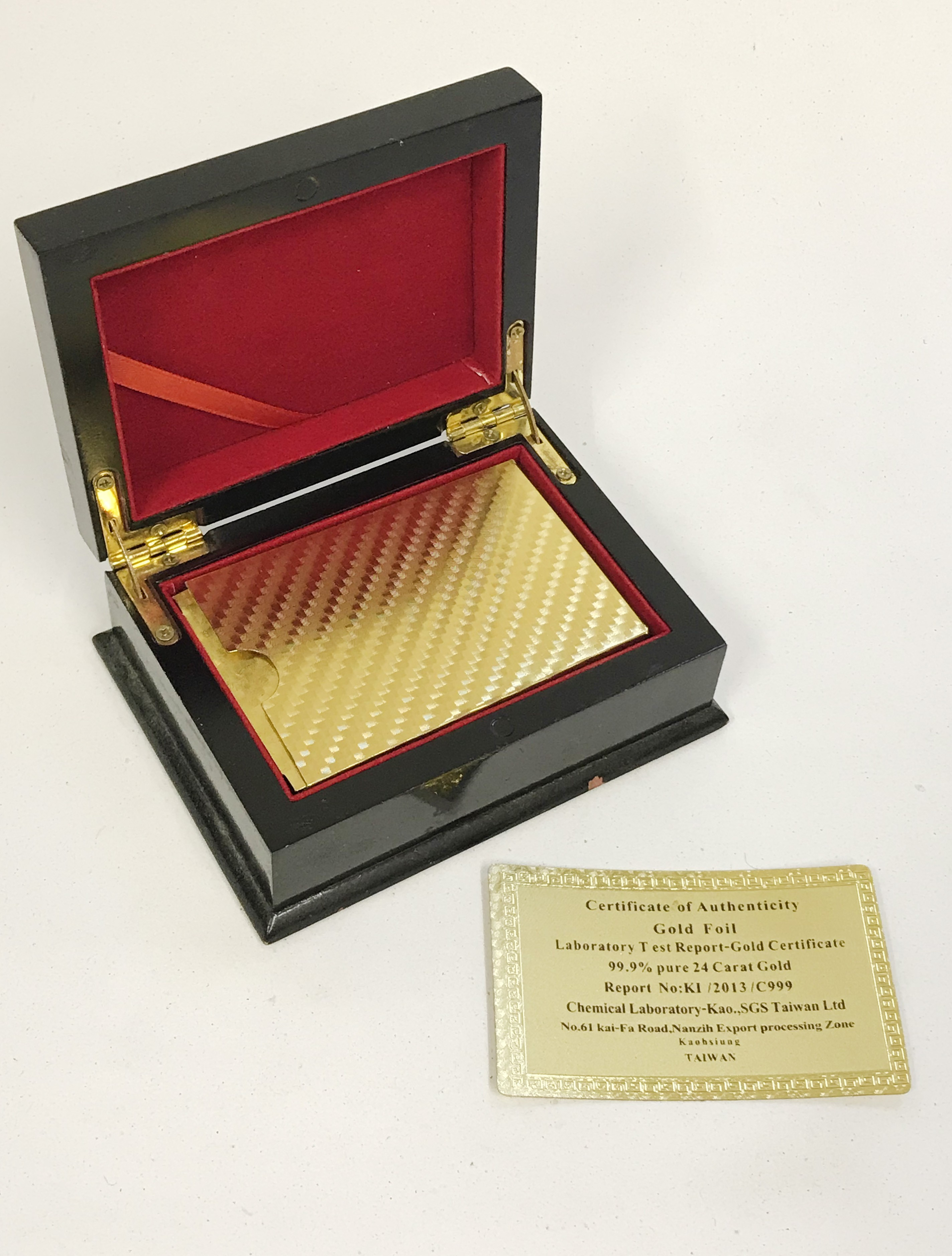 Lot 2 - DECK OF 24ct GOLD FOIL PLATING PLASTIC PLAYING CARDS WITH COA