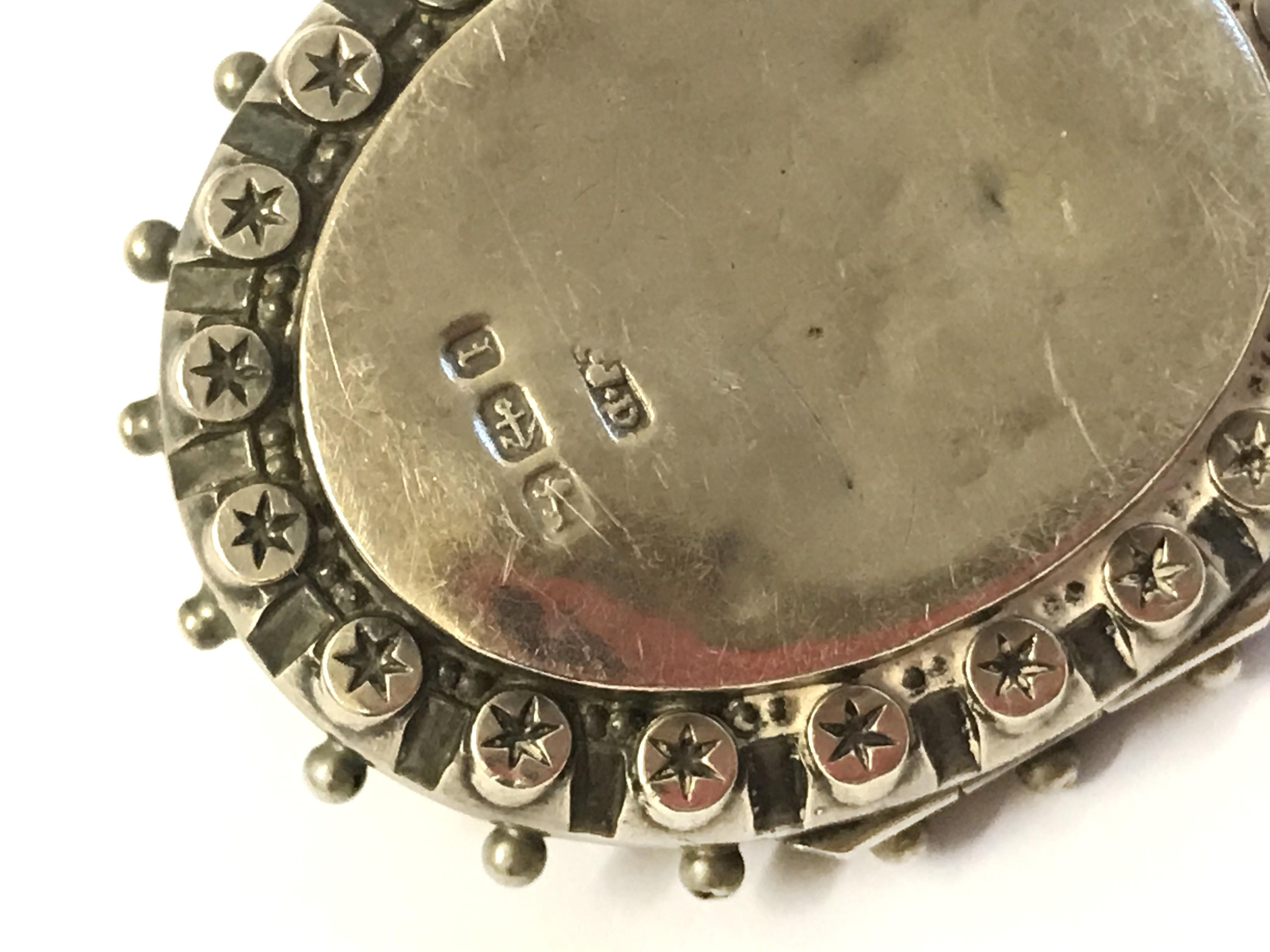 Lot 34 - Hallmarked Silver Brooch