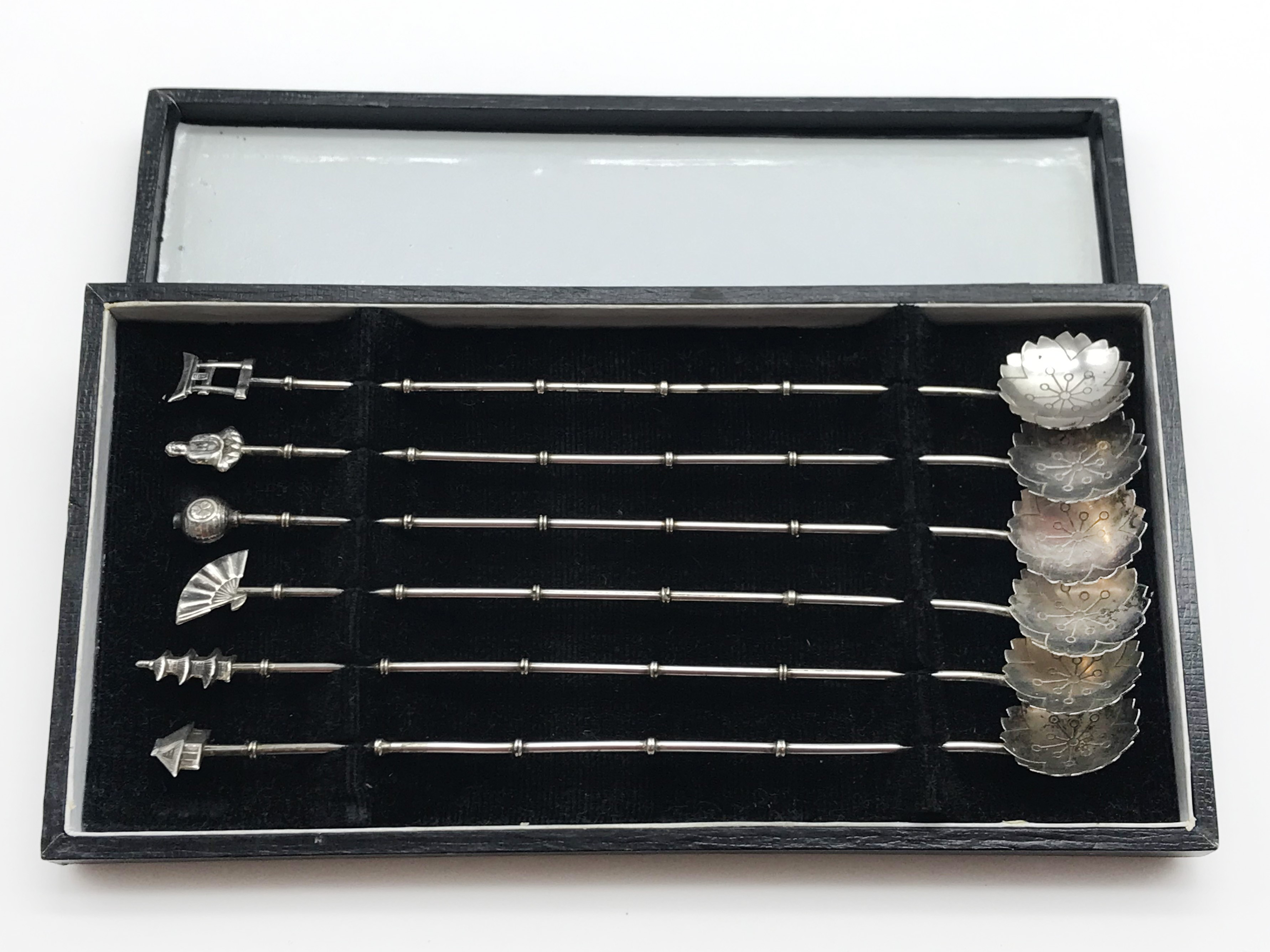 Lot 33 - SET OF SIX CASED SILVER BAMBOO STYLE COCKTAIL SPOONS - CHINESE