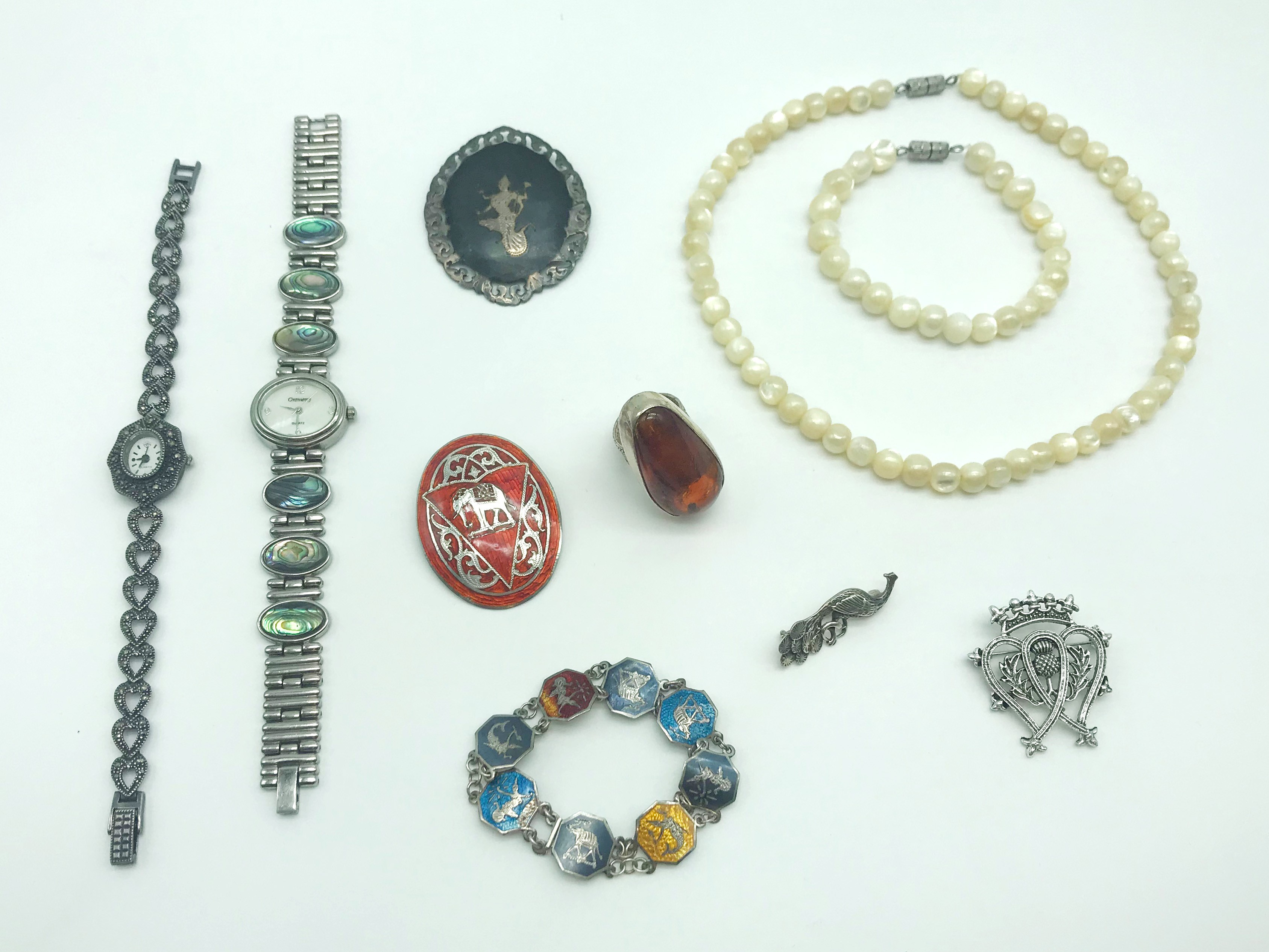 Lot 46 - SELECTION OF COSTUME JEWELLERY INCLUDING SOME SILVER