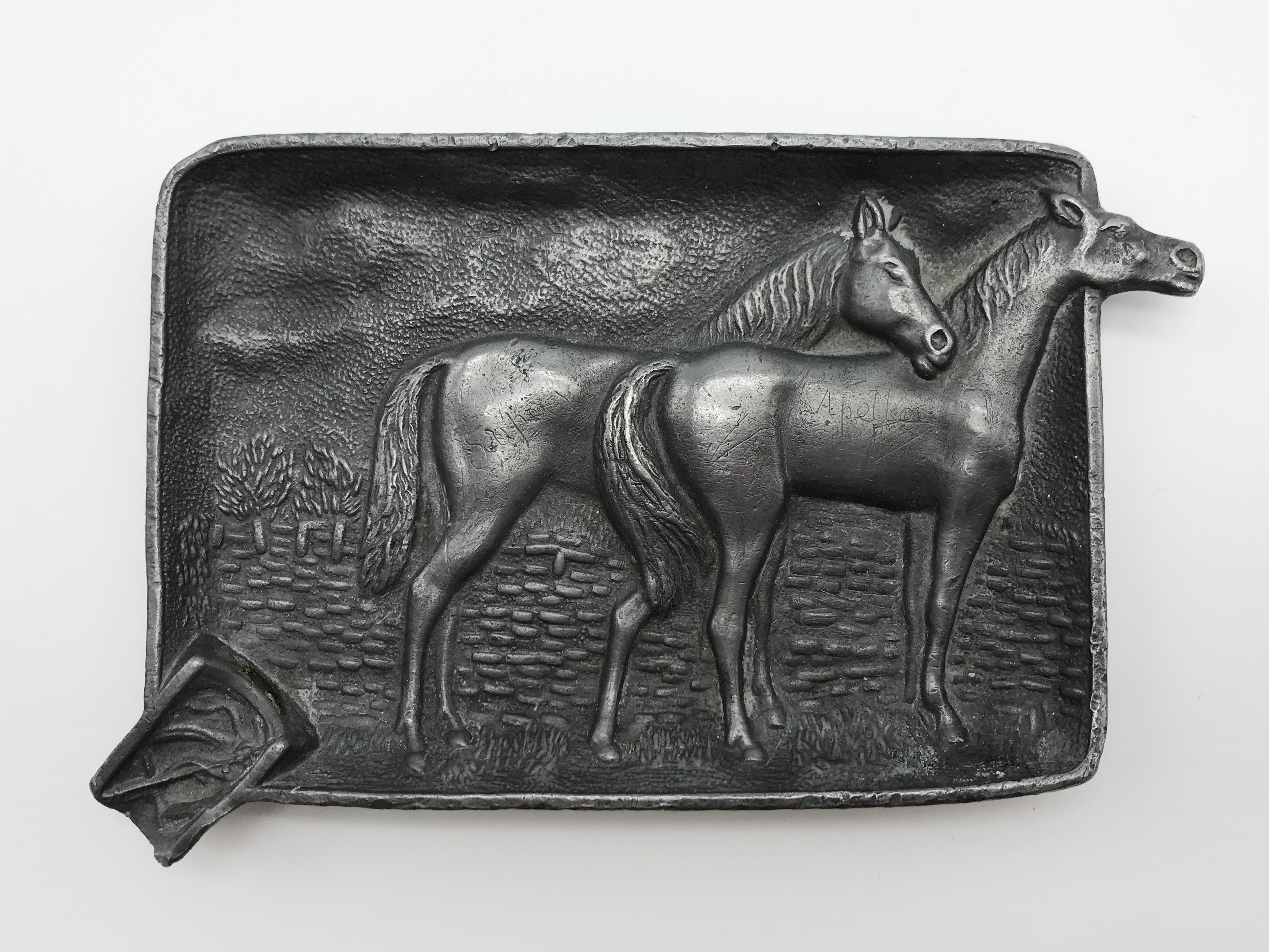 Lot 51 - SMALL PEWTER ASHTRAY WITH HORSES