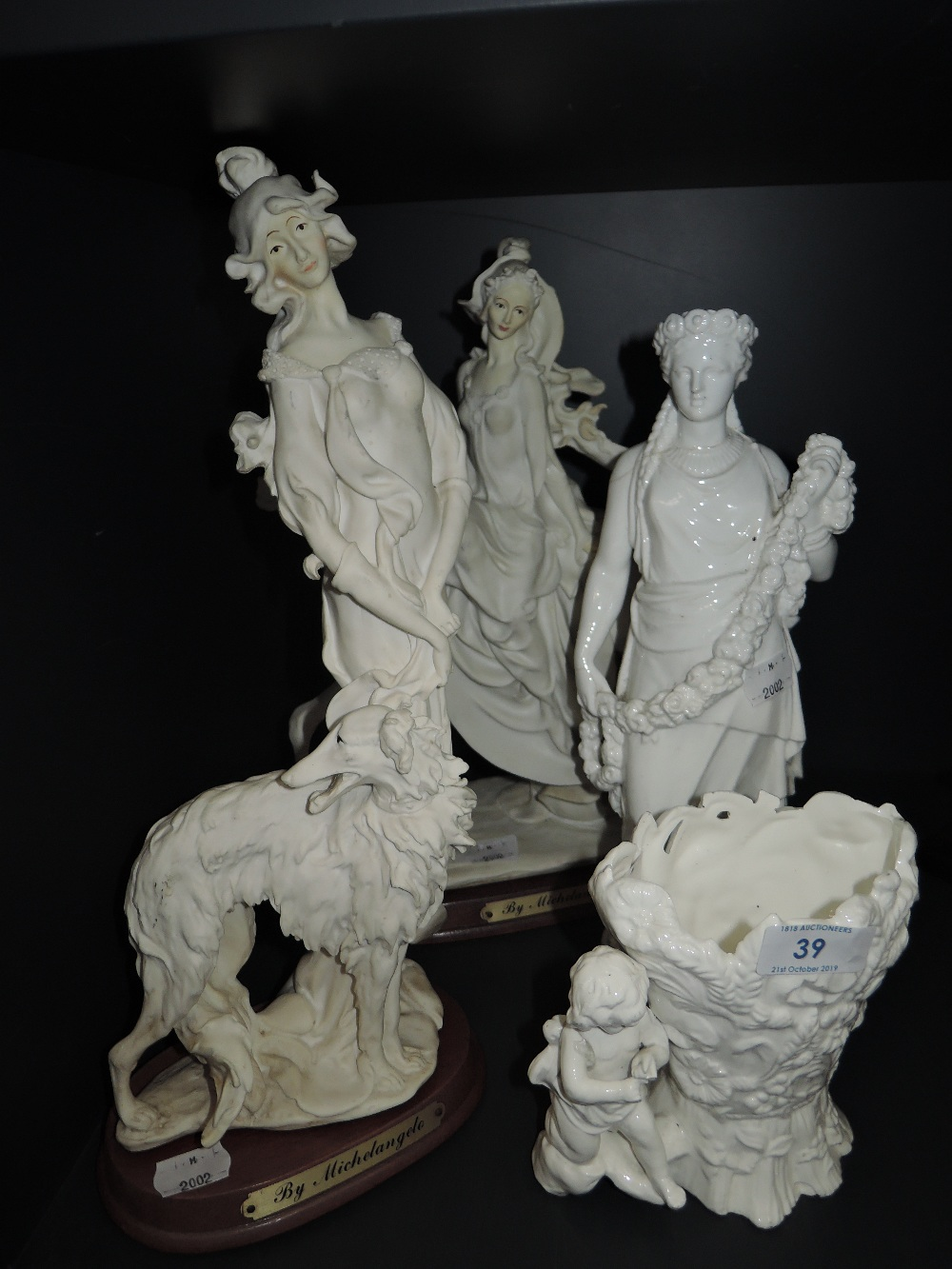 Lot 39 - A selection of figures and figurines