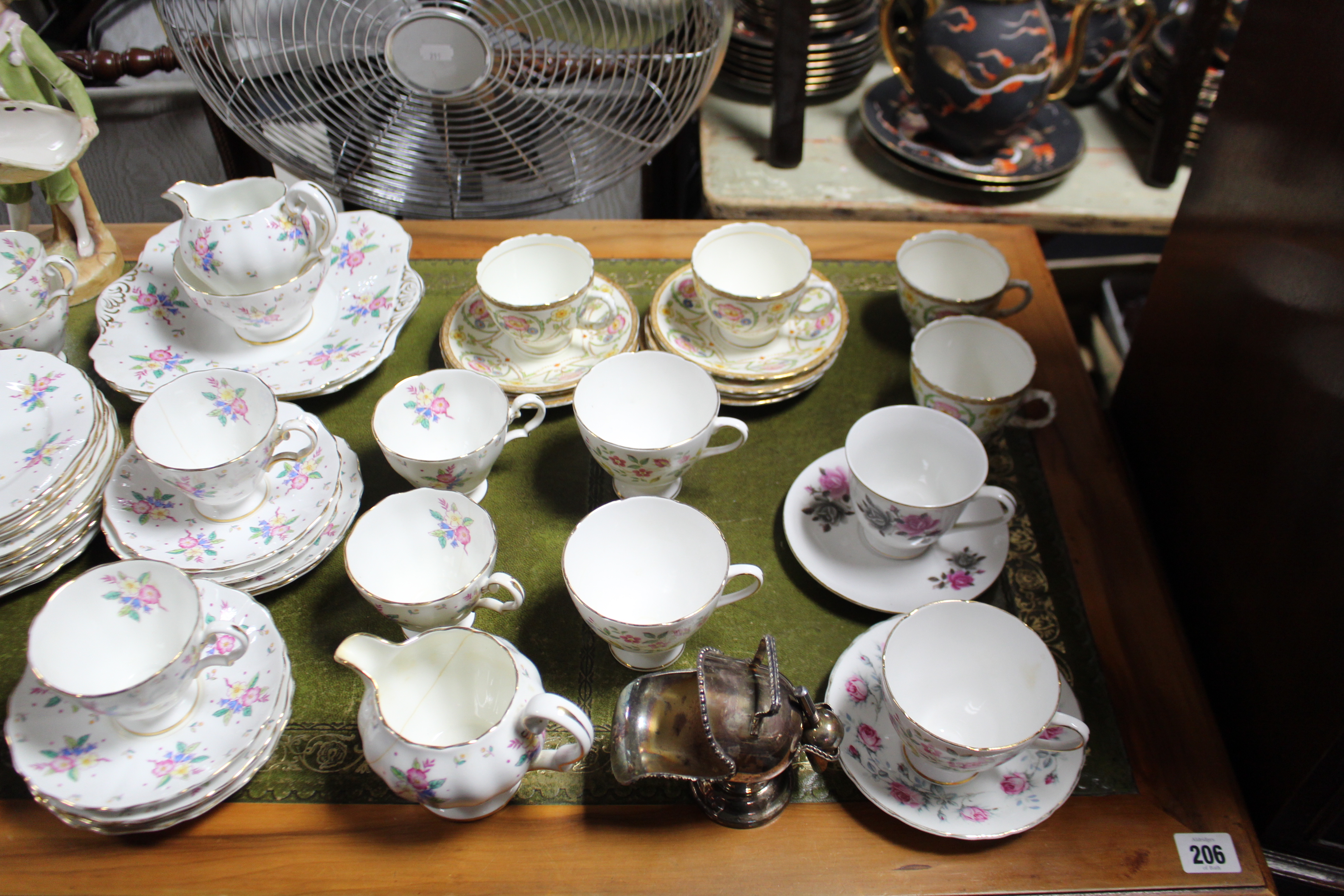 Lot 194 - A Royal Doulton thirty-three piece tea service (pattern no.H2586); together with various other items