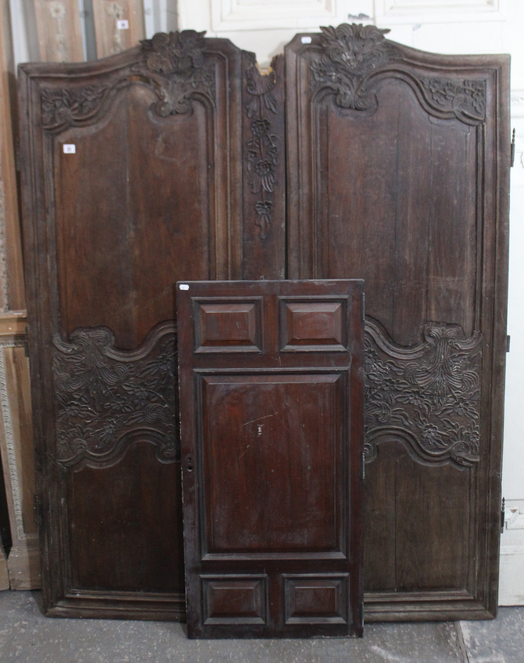 """Lot 67 - A large white painted & carved wooden cartouche board, 47"""" wide x 62"""" high; & a large white"""