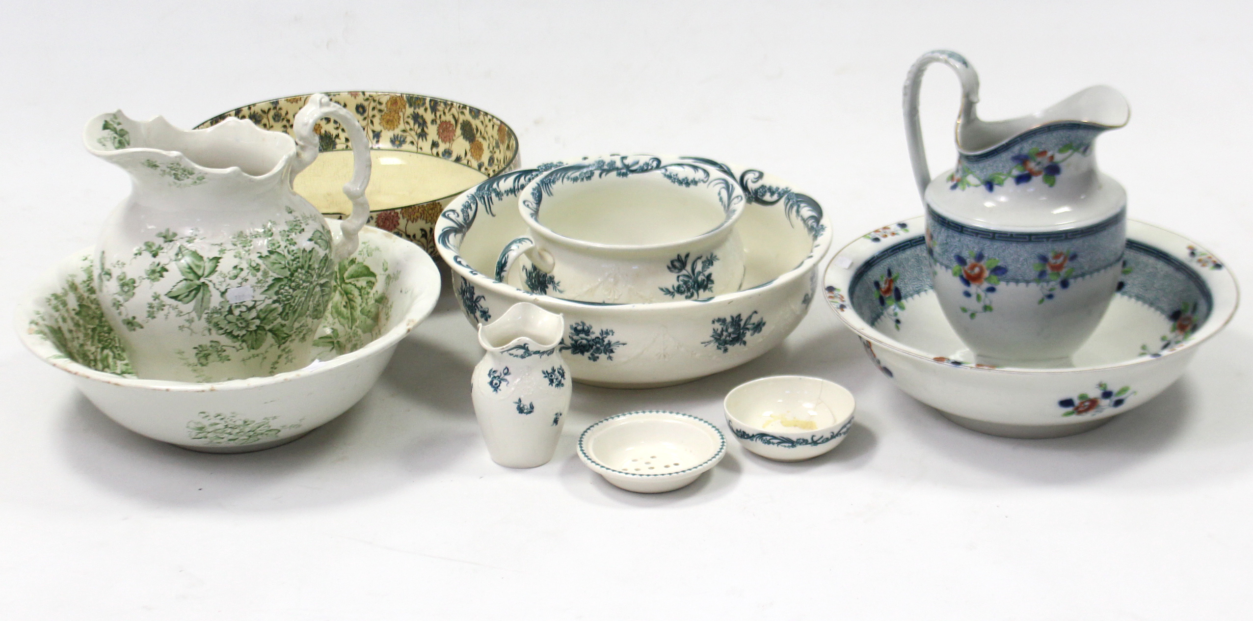 """Lot 189 - A Wedgwood of Etruria """"Wren"""" pattern four-piece part toilet set; two floral decorated toilet"""