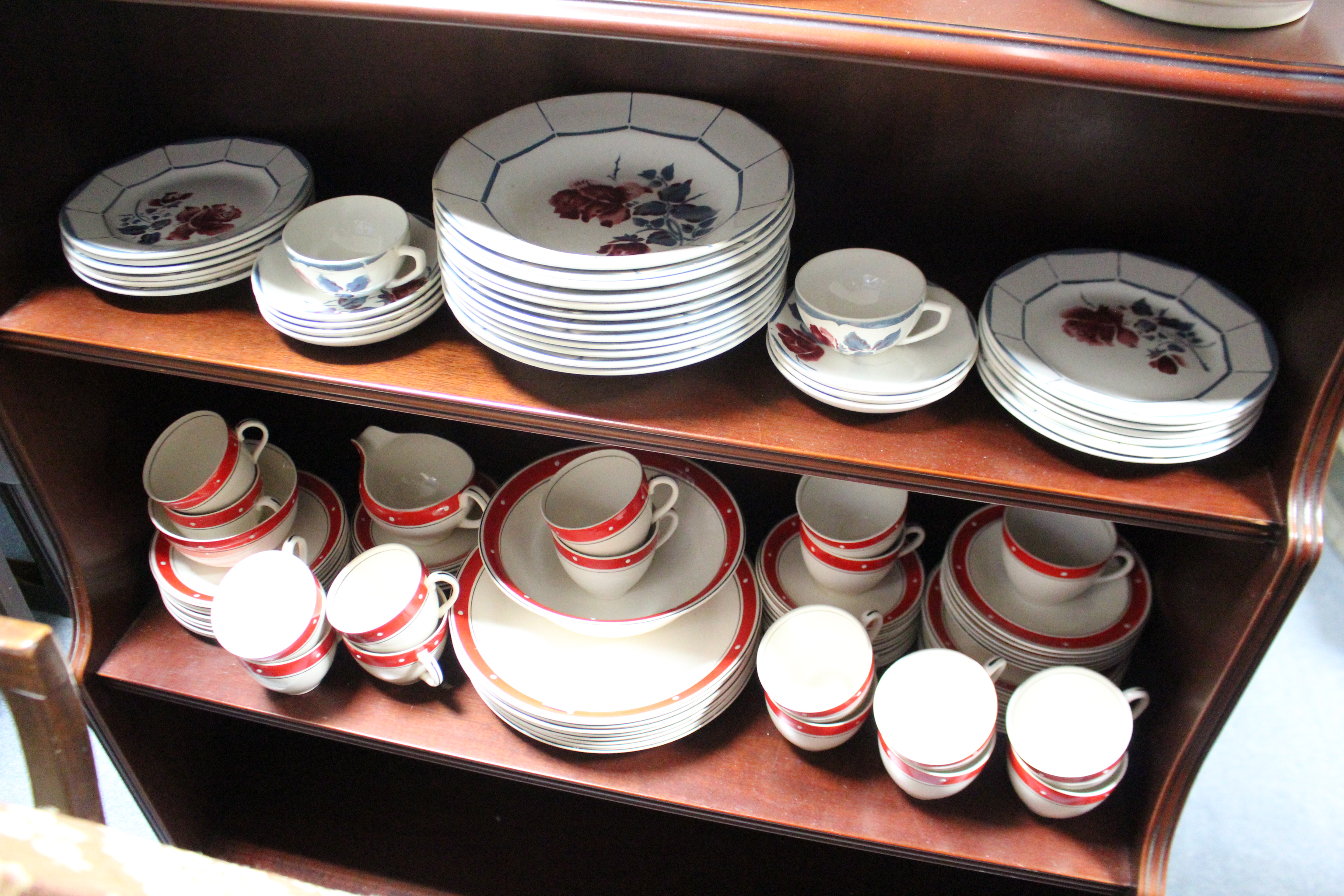 """Lot 260 - A French china """"Malmaison"""" pattern thirty-six piece part dinner & tea service; & an Alfred Meakin"""