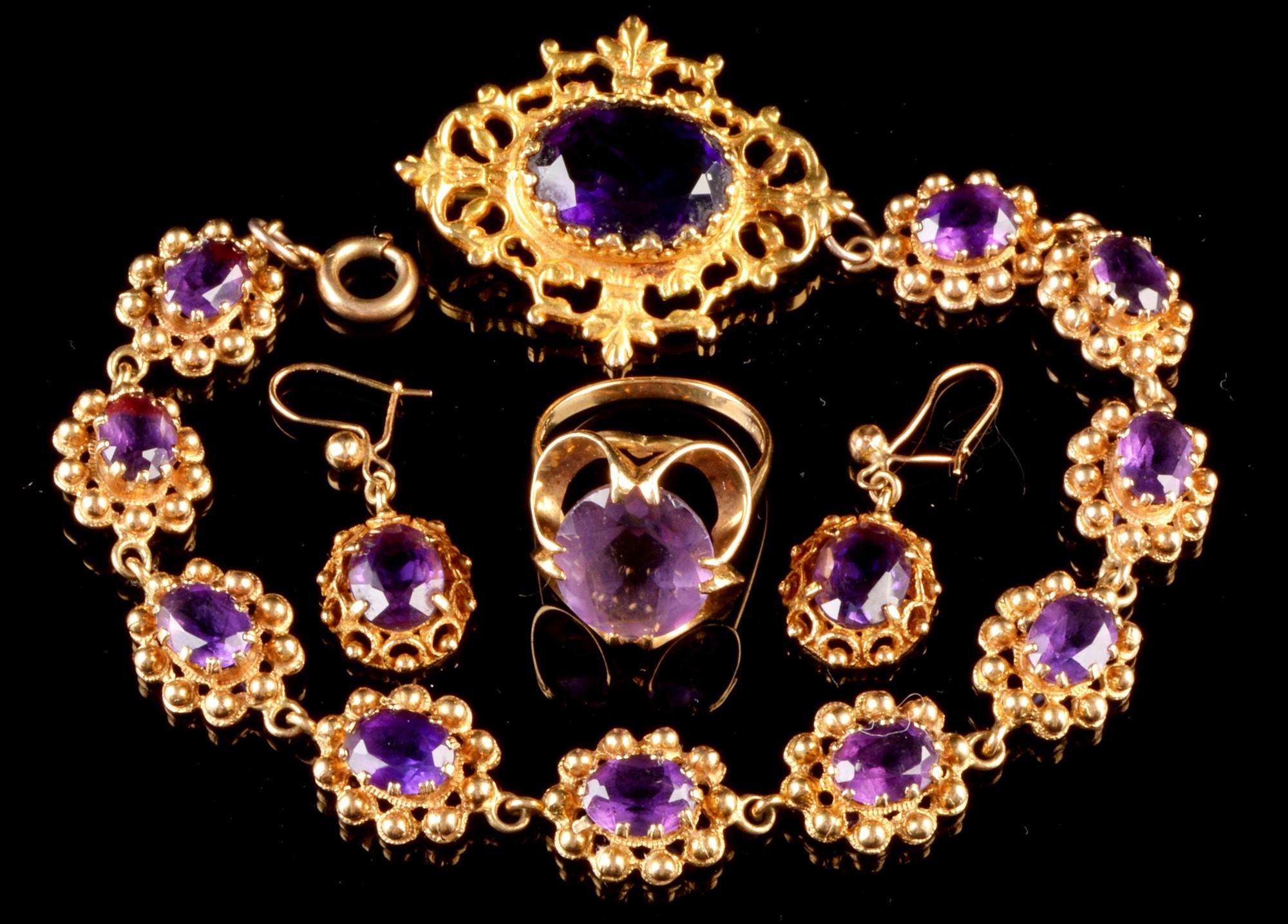 Lot 526 - Amethyst jewellery