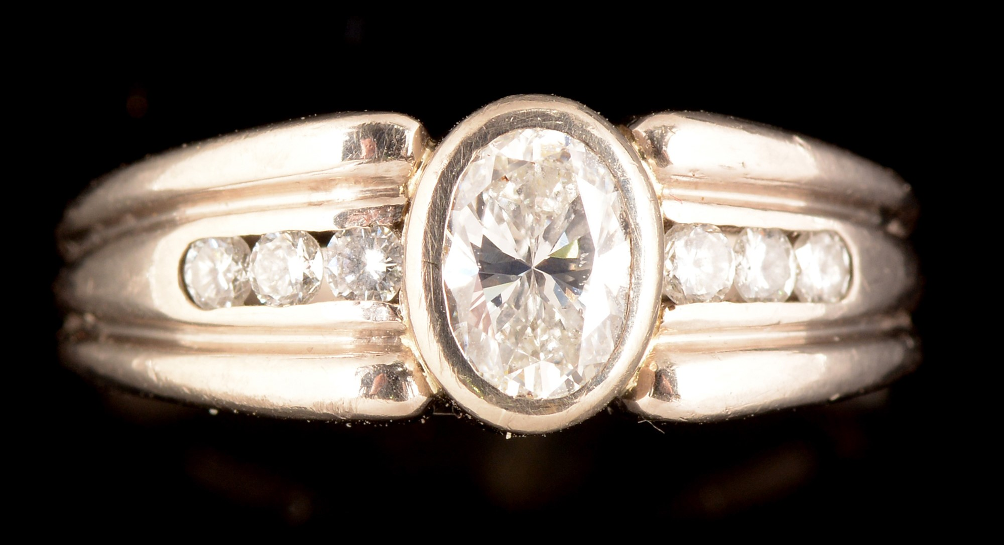 Lot 540 - Diamond ring