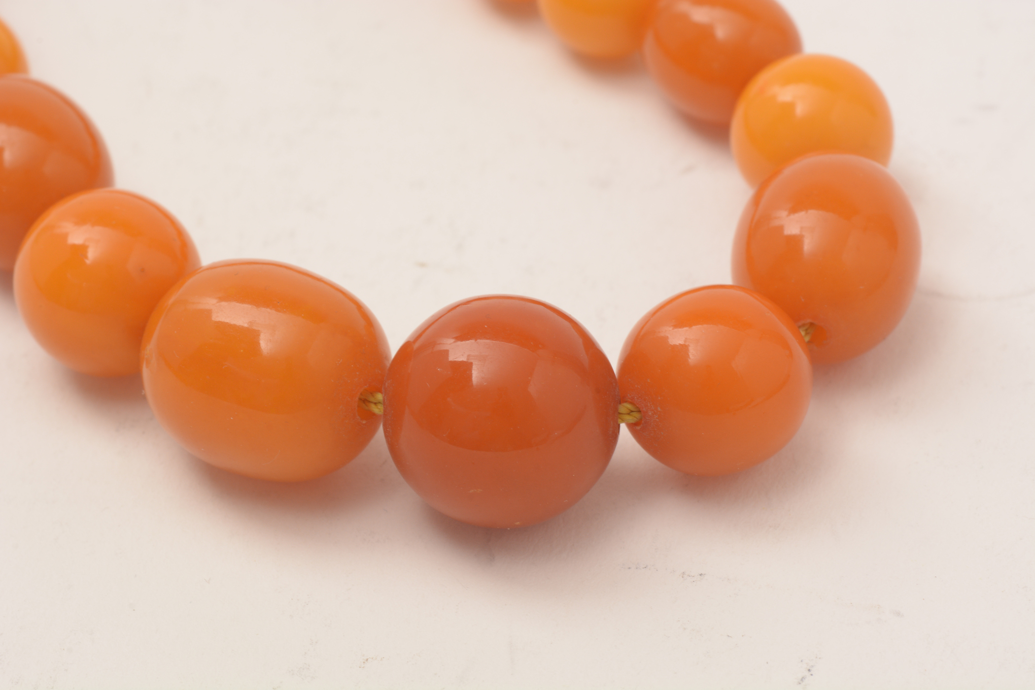 Lot 508 - Amber necklace
