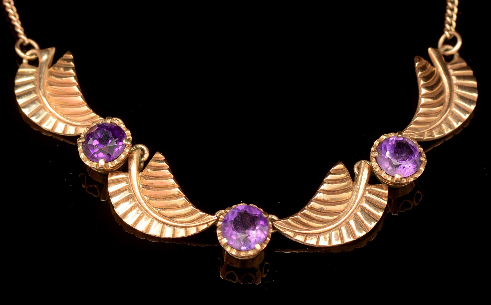 Lot 529 - Amethyst necklace and earrings