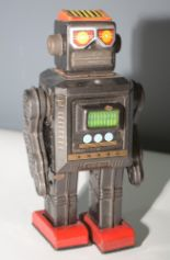 Lot 1046 - SH Horikawa tin plate robot