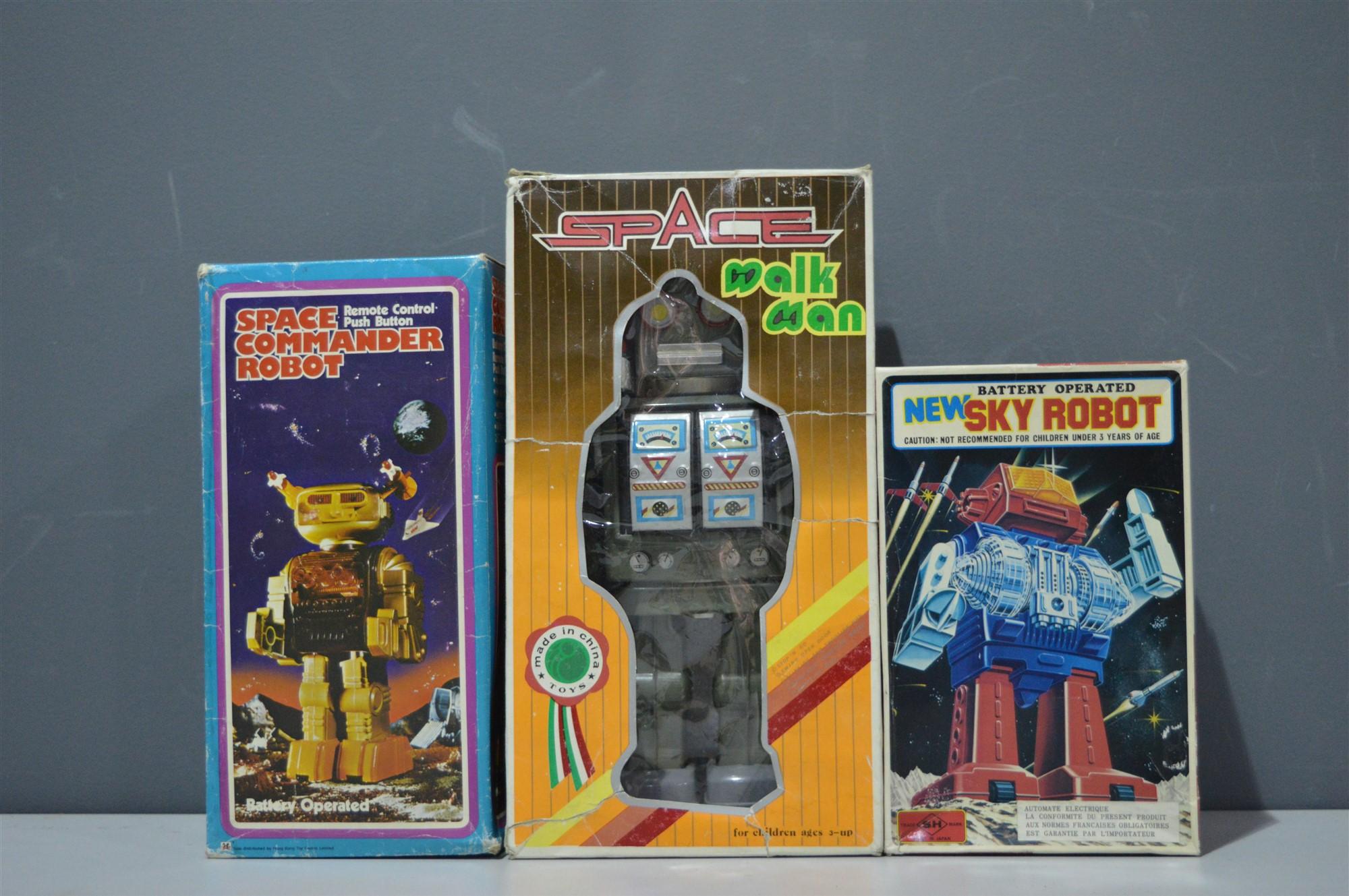Lot 1011 - Three Robots
