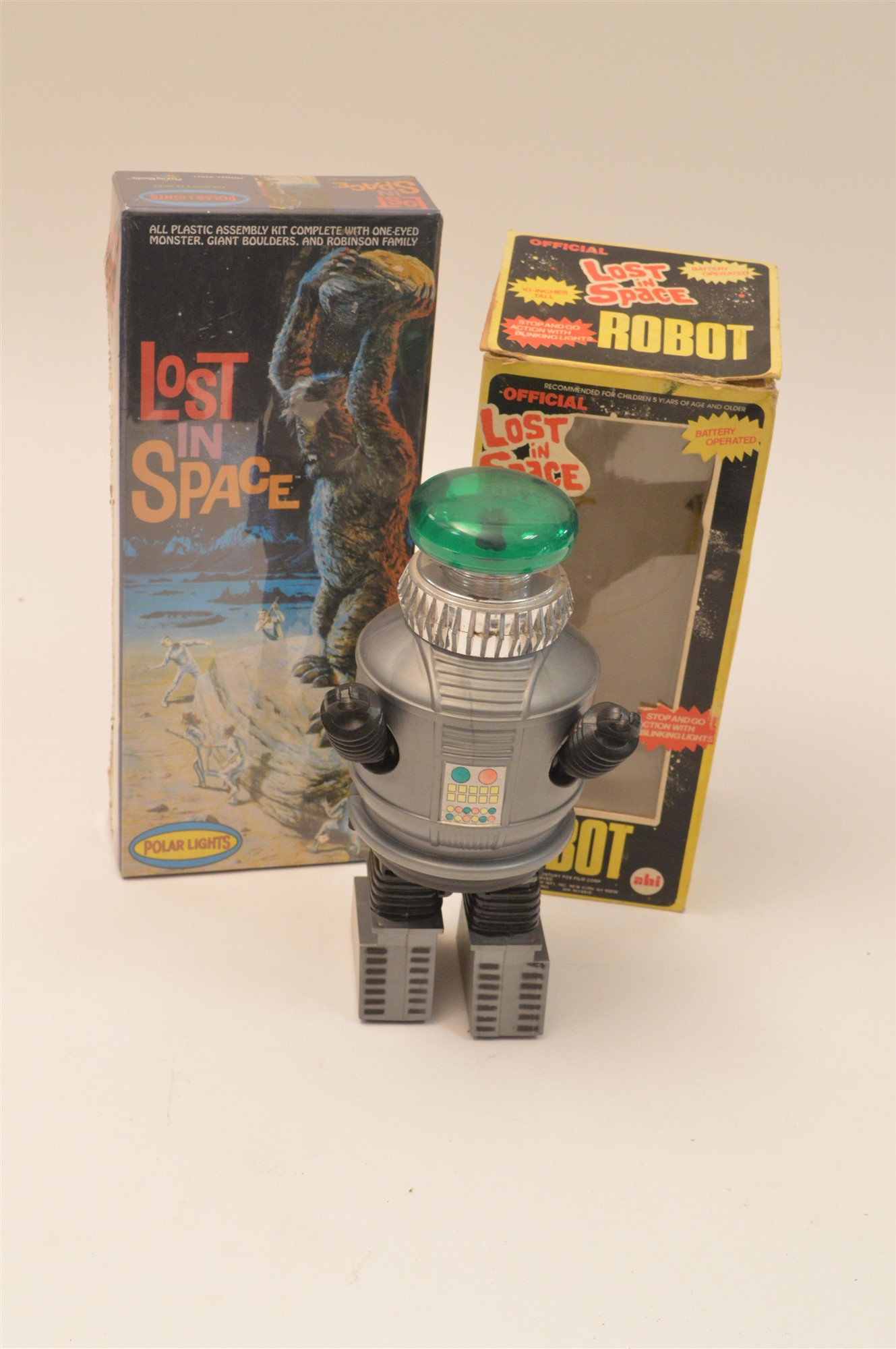 Lot 1001 - Lost in Space Robot and Assembly Kit