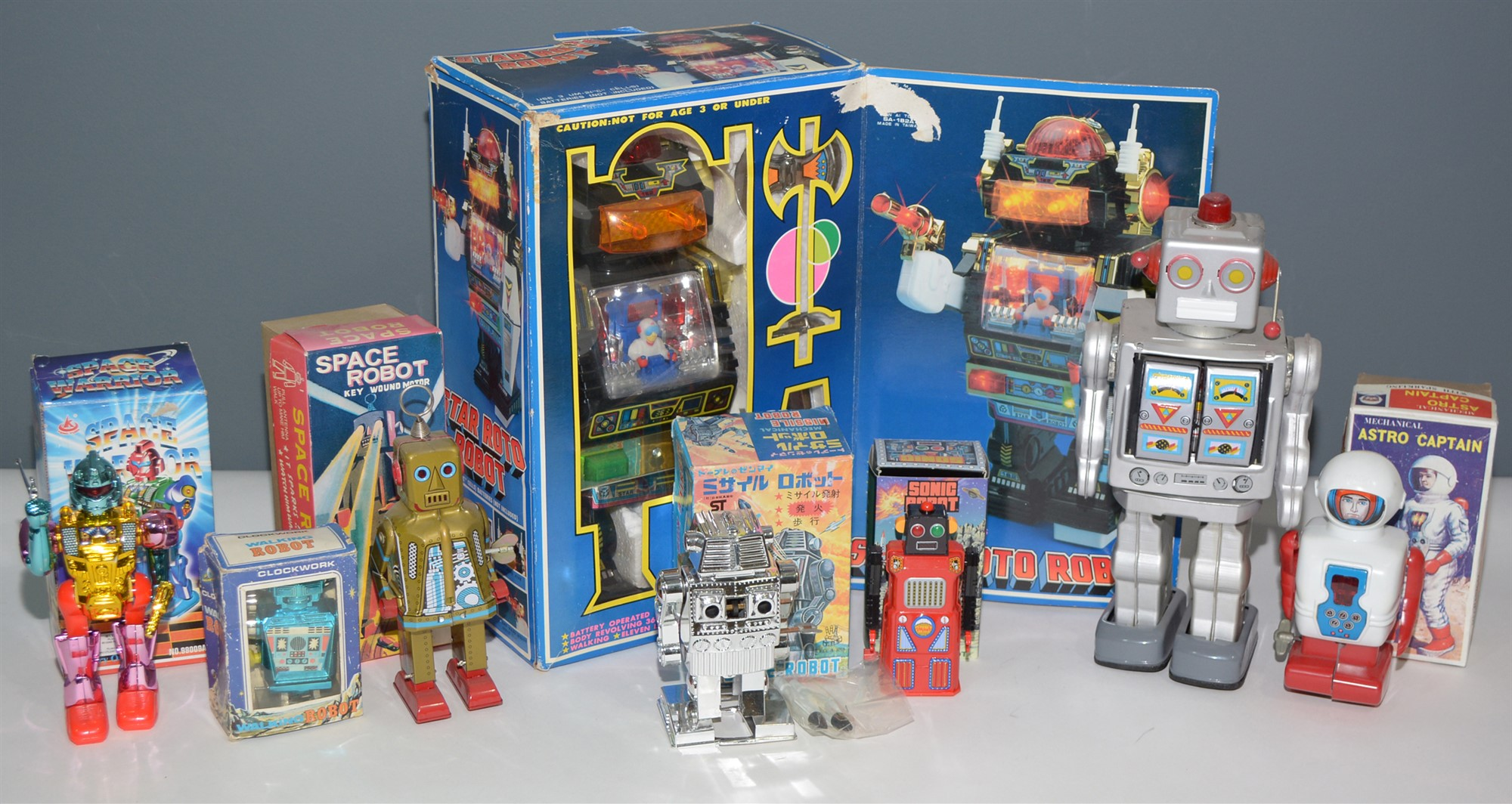 Lot 1054 - Boxed robots
