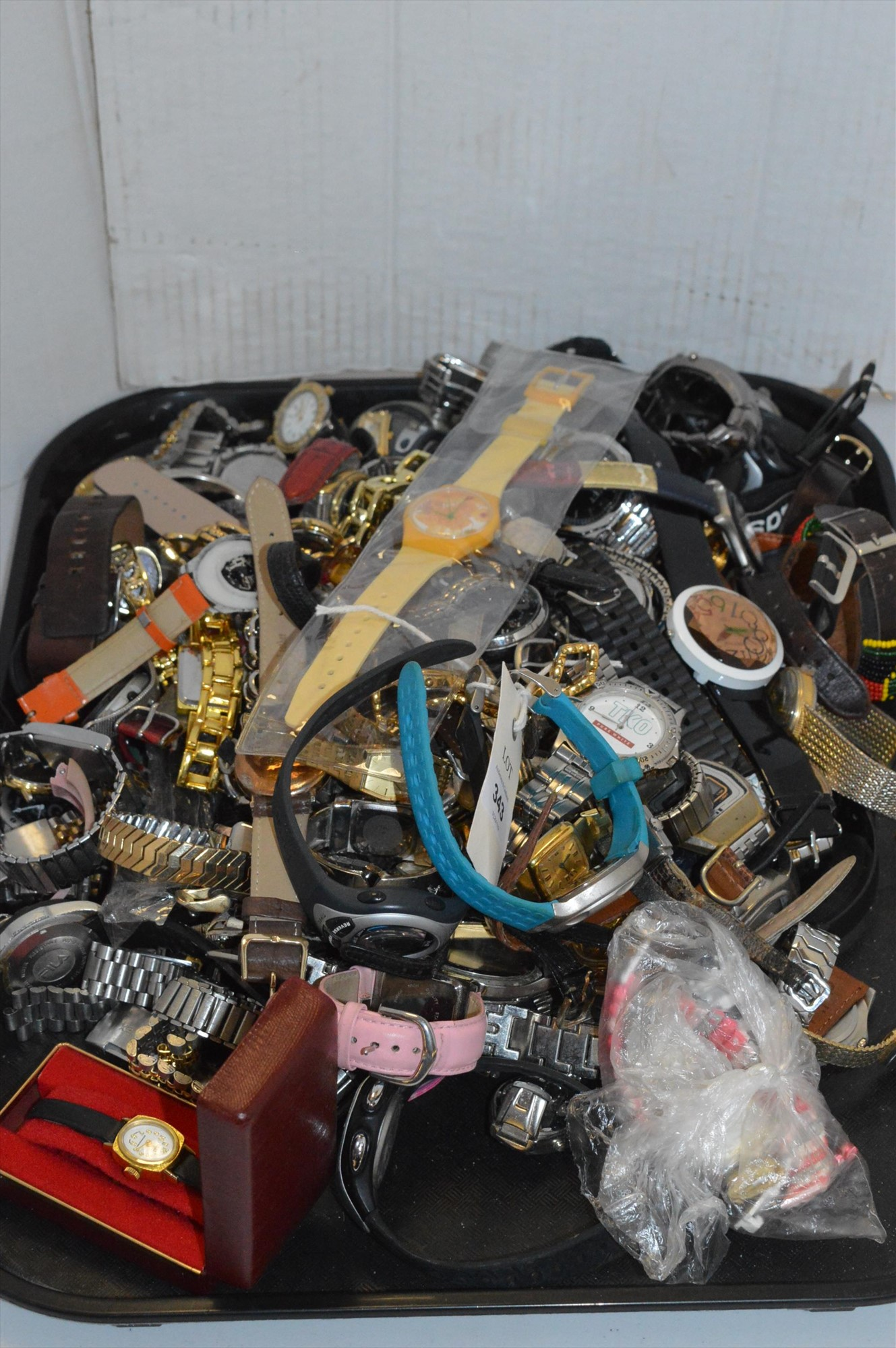 Lot 343 - Assorted watches