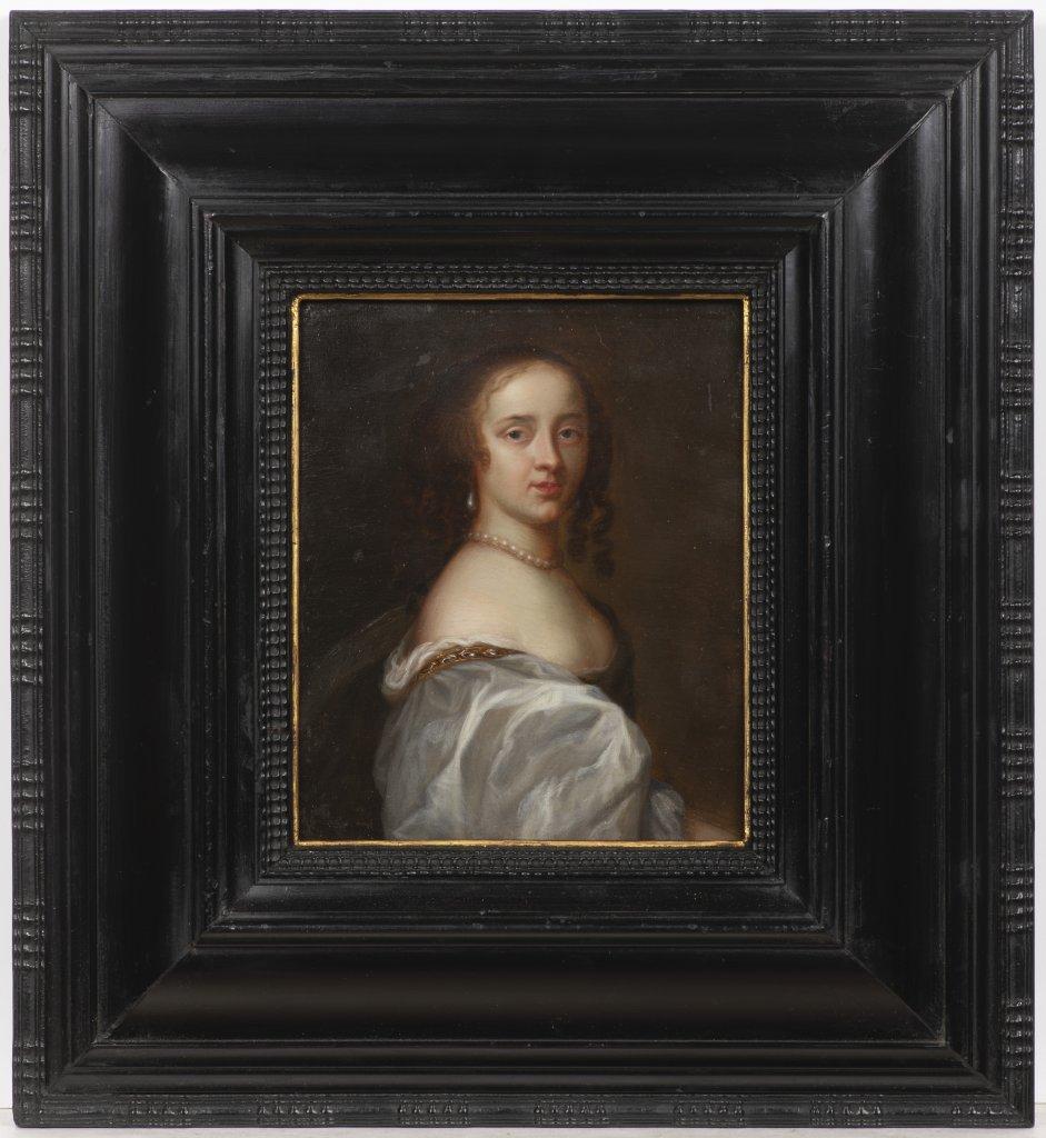 Lot 31 - ANGLICKÝ MALÍØ: PORTRAIT OF A YOUNG LADY po 1660 Oil on oak panel 19 x 15,5 cm Unsigned This