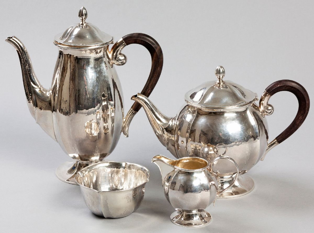 Lot 15 - A FOUR PIECE CONTINENTAL .925STD SILVER TEA AND COFFEE SERVICE, BY BALTENSPERGER, comprising: of a